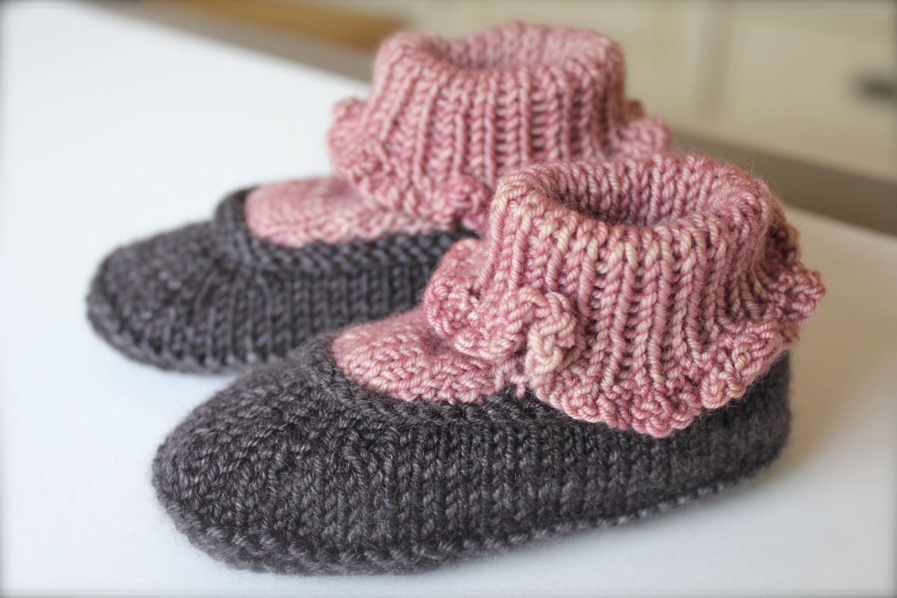 Picking Up Stitches In Knitting Socks : Baby Sweet-Pea Booties in Plucky